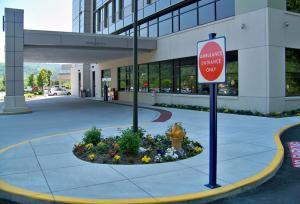 Wheeling Hospital Ambulance Entrance